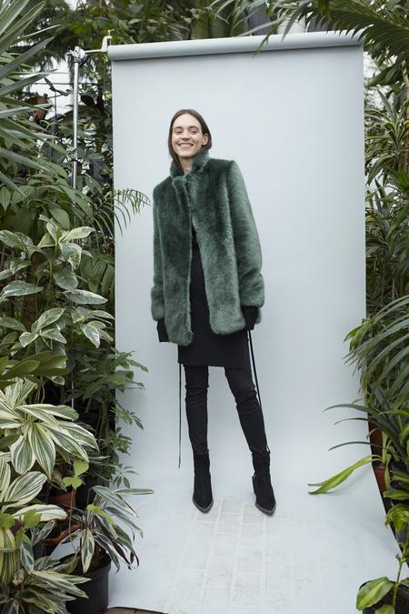 D. Efect Duana Faux Fur Jacket