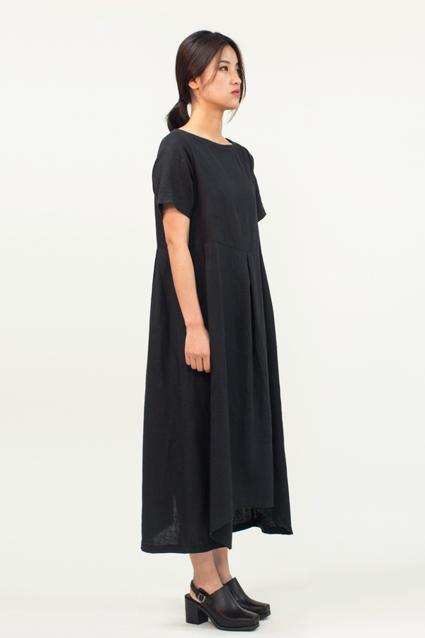 Universal Tissu Linen Dress- Black