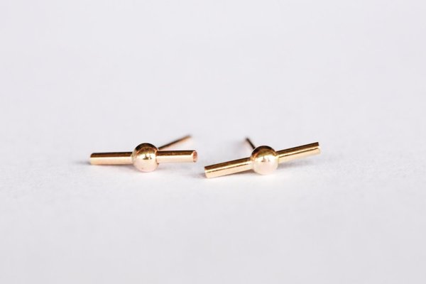 Favor Sputnik Post Earrings