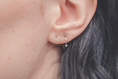 Drift/Riot Pearl Hug Earrings