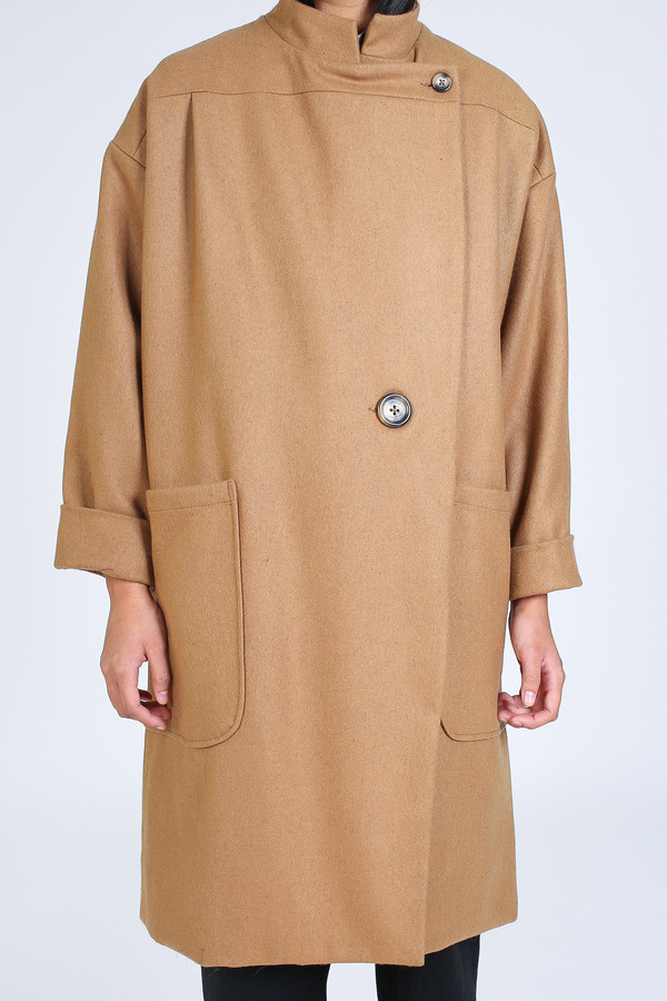 Ursa Minor Howe coat in camel