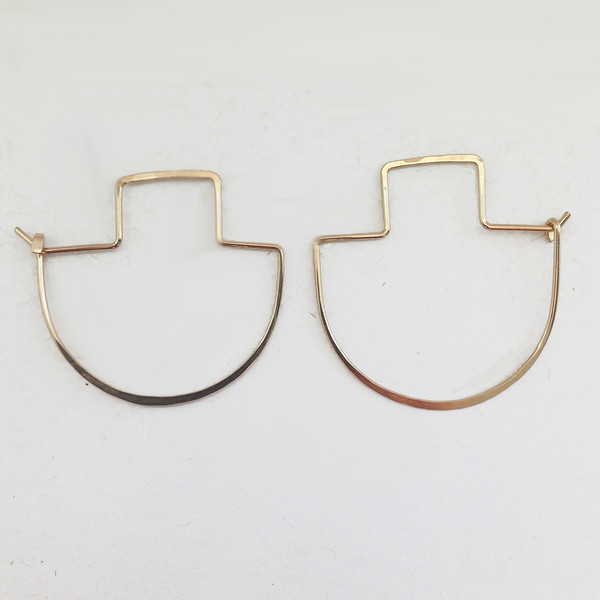 ERICA WEINER - FIBULA EARRINGS IN GOLD