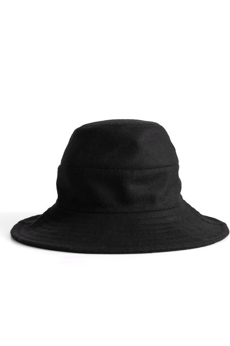 Tsuyumi Wide Brim Wool Hat Black