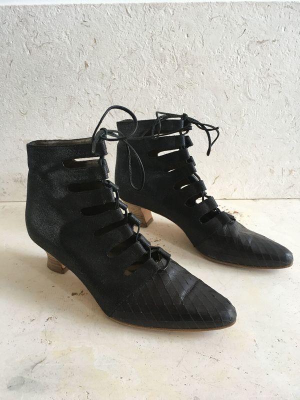 The Shudio Vintage Black Lace up Boots (Sz 9B)