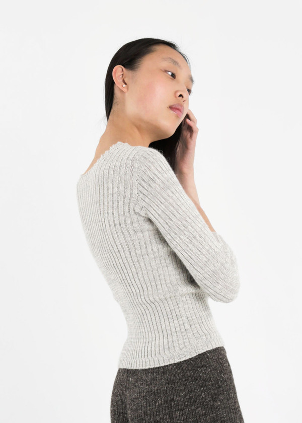 été noir Ribbed Knit Sweater
