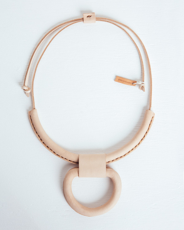 Crescioni Union Necklace in Natural