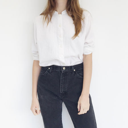 Johan Vintage White Linen Blend Pintuck Top