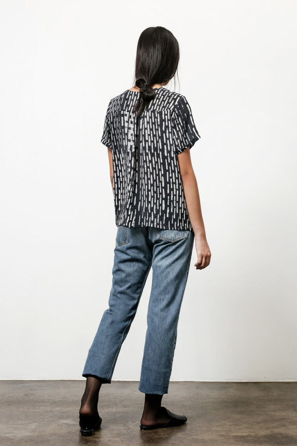 Osei-Duro Note T in Silk Crepe Broken Lines