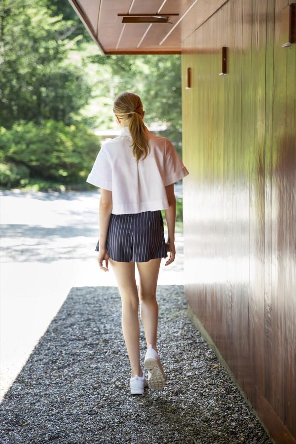UNIFORME Hewett Cuffed Sleeve Crop Shirt