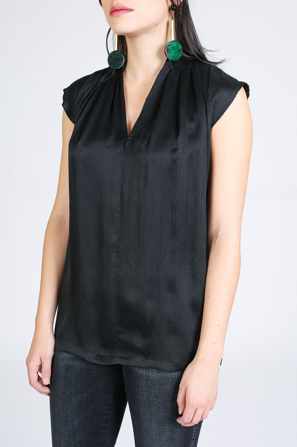 The Podolls Pleat Neck Accordion Top in Black