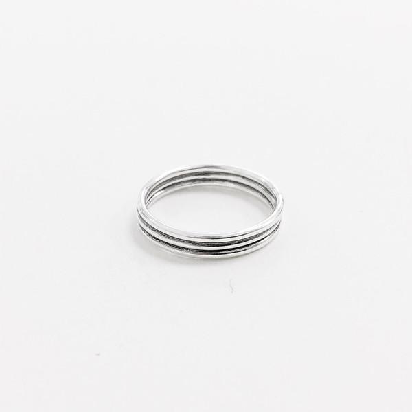 Reason + Madness Midi Ring