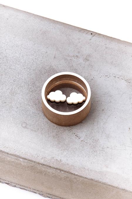 OkiikO Asorti Stud Earrings (Cream Cloud)