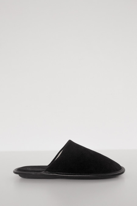 Lisa B. Men Suede Slipper - Black