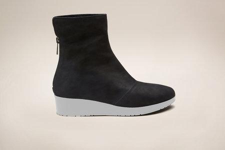 GRAY MATTERS Niko Furry Boot Black