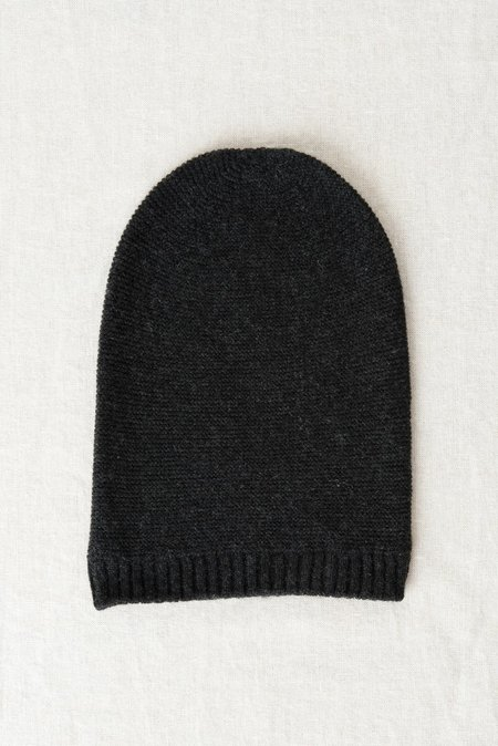 Grei Cashmere Beanie In Charcoal