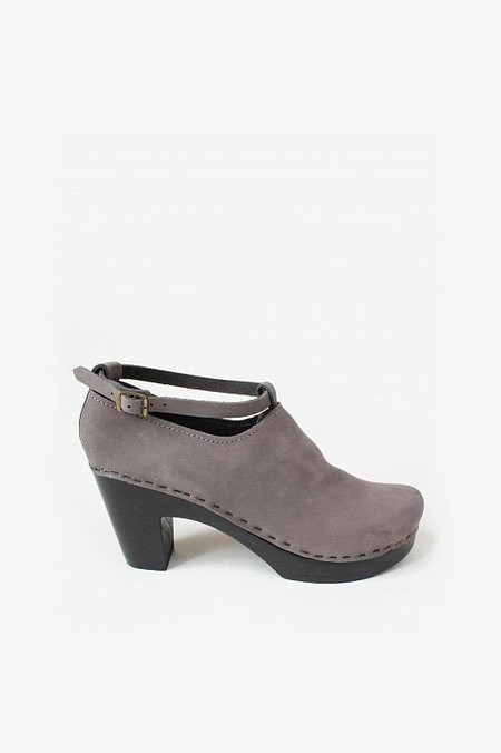 No. 6 Shoes Classic Shoe in Ash/Black Heel