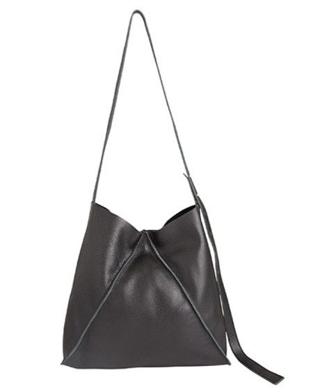 Oliveve jasper shoulder bag in black pebbled leather