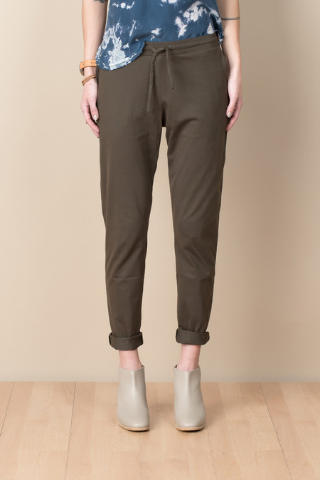 Kowtow Building Block Slim Pant In Moss