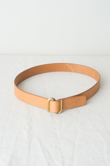 "KikaNY 1.25"" S Buckle Belt In Natural"