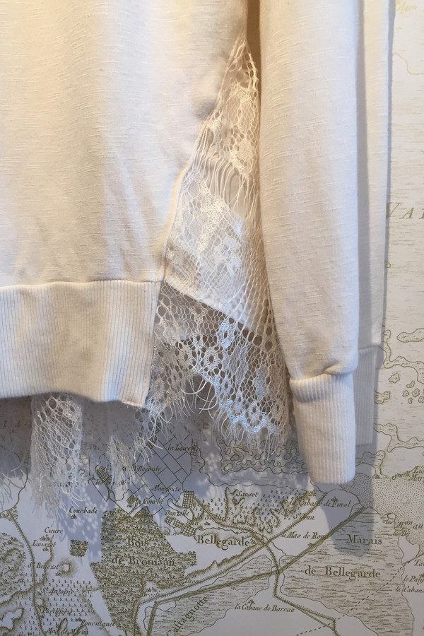 Clu Sweatshirt with lace back