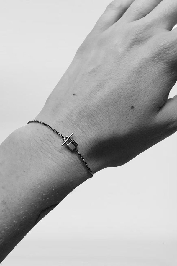 Lauren Klassen 14K Gold Tiny Padlock Bracelet