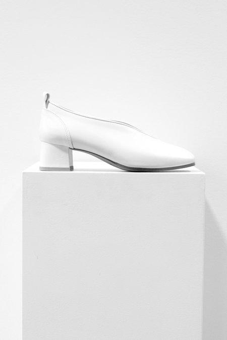 Wite Classic Low-mid Heel