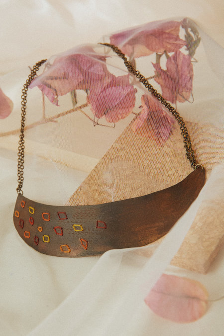 Geography 541 Falling Leaves Collar
