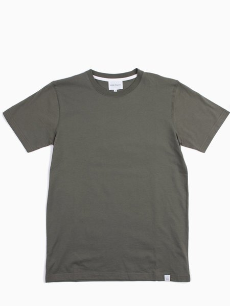 Norse Projects Niels Standard SS - Dried Olive