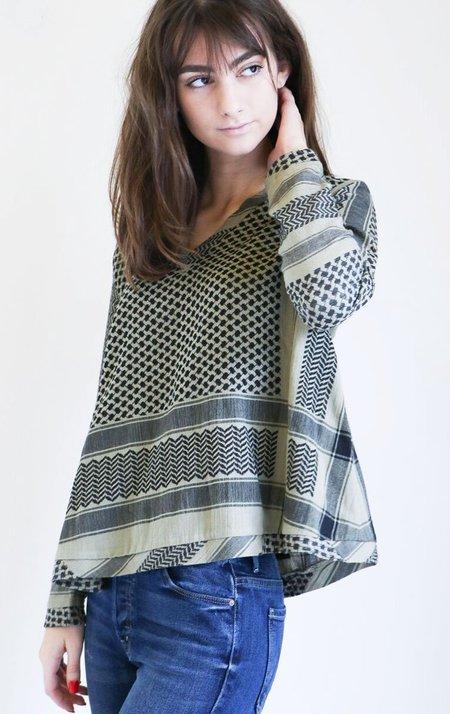 Cecilie Copenhagen Shirt V in Boa