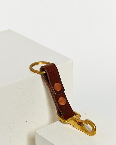 WOLF PACK LEATHER KEY FOB WITH SOLID BRASS - BROWN