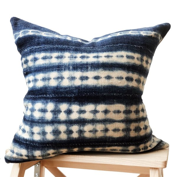 Valiente Goods Small Indigo Pillow 01
