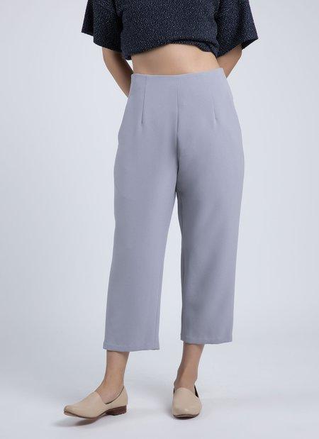 Kaarem Sua Tapered Trouser Pocket Pant - Taro