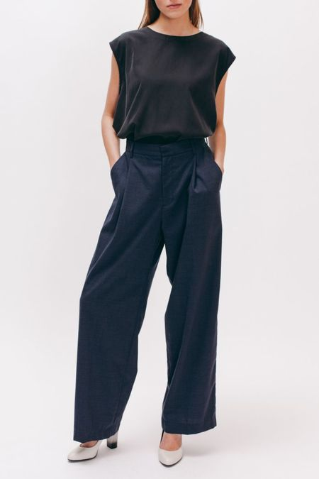 MAIDEN NOIR Pleated Long Trouser