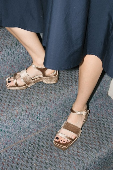 Suzanne Rae Piped Platform Sandal - Taupe
