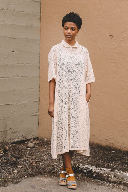 Lace Raglan Sleeve Gown With Pockets - Cream