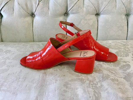 No.6 Layla Covered Heel in Cherry Crinkle