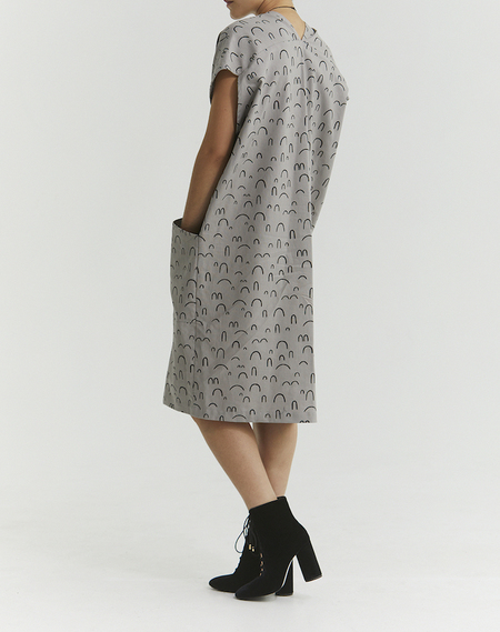 Ursa Minor Studio Genny Pullover Dress - Pewter Print