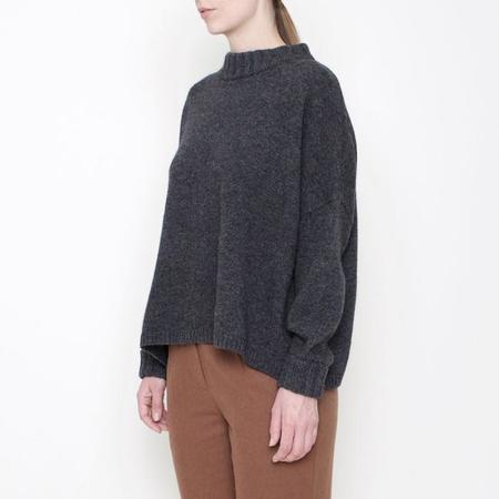 7115 Szeki Classic Crewneck Sweater - Grey