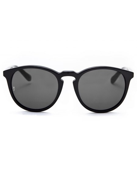Wonderland Beaumont Sunglasses - Gloss Black/Grey CZ