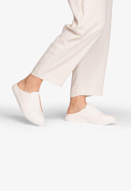 Matt & Nat Elma Sneaker Slide - White