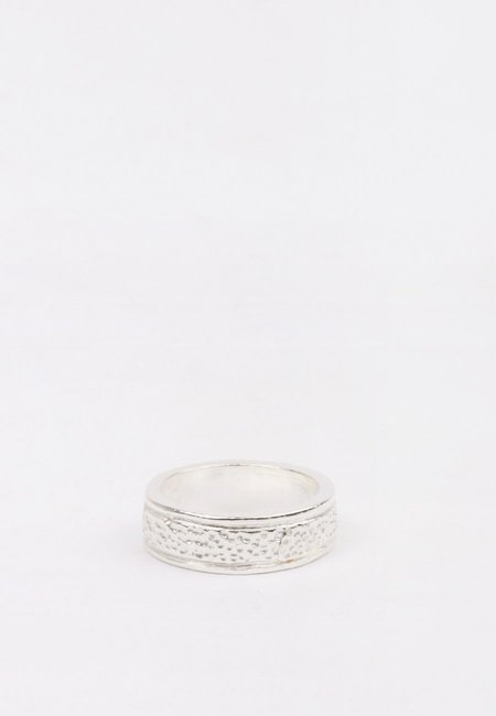 27 Mollys Dot Band Ring - Silver