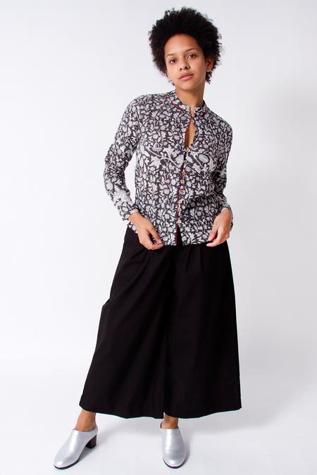 Bhoomki Katori Long Sleeve Top - Black/White Vine Print