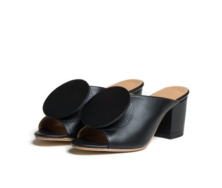 The Palatines Shoes salio mule w block heel & origami ornament - black