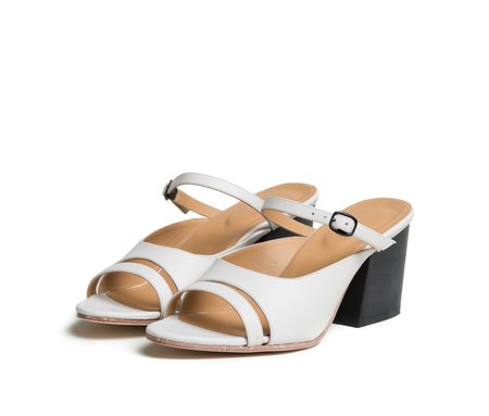 The Palatines Shoes seta three piece buckled slide sandal with wood heel - lunar white