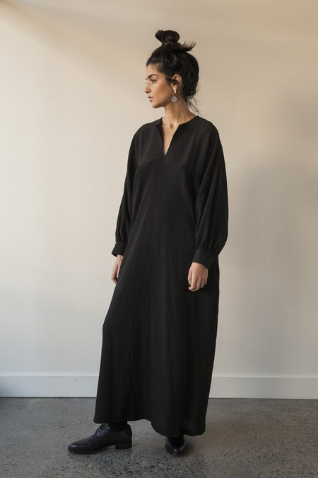 Sunja Link Long Yoke Raglan Sleeve Dress - Black