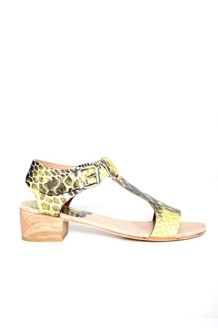 A Détacher Highsmith Sandal - Snake Printed Leather