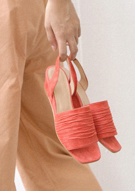 About Arianne COSTA Sandal - SUNSET