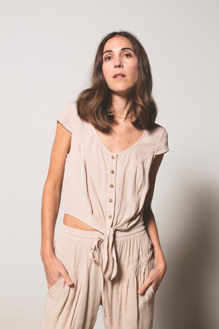 THE ODELLS Tie Front Top - SAND