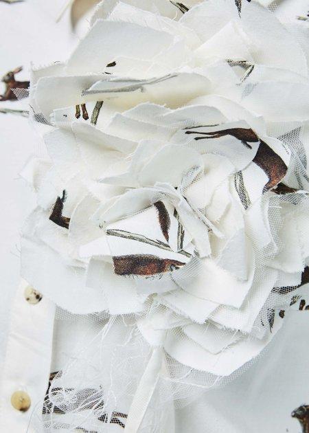 Aleksandr Manamis Jacquard Floral Brooch - ivory/hare print