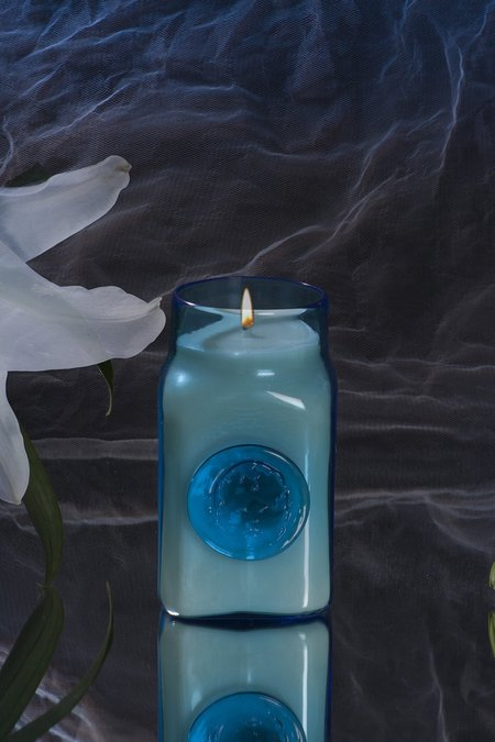 Curio Noir Feather My Tears Candle